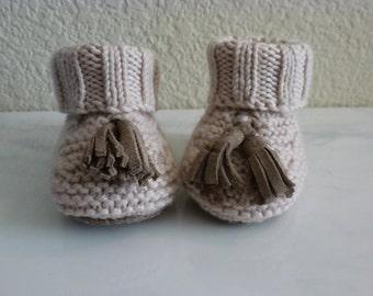 Soft Hand-knit Tassel Booties - Beige-pink color