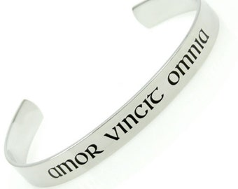 Amor Vincit Omnia Love Conquers All Latin English Poesy Cuff Bracelet