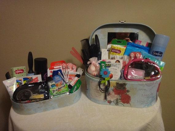 Wedding reception or guest bathroom baskets for Wedding reception bathroom ideas