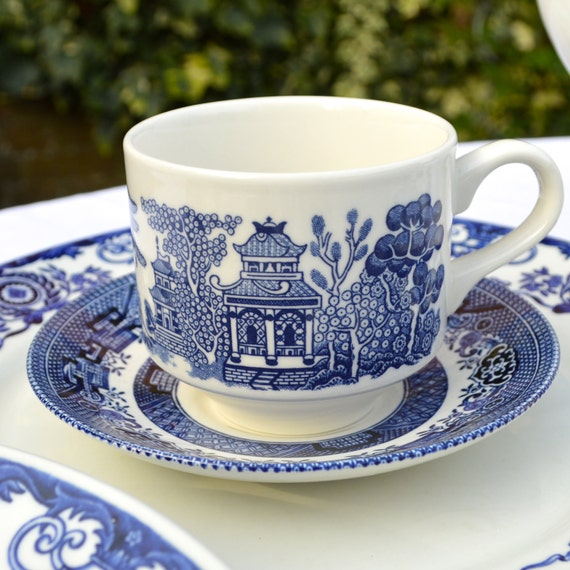 Churchill English China Oriental Blue Willow Blue By