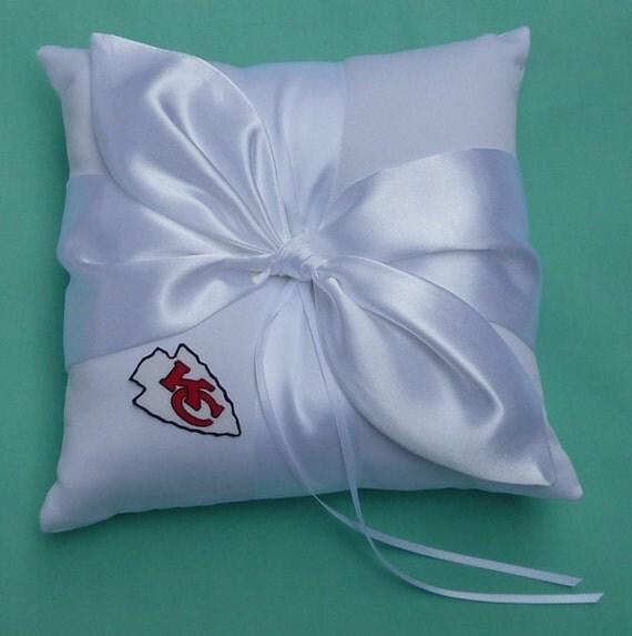 wedding ring bearer pillow flower girl basket bridal garter. Black Bedroom Furniture Sets. Home Design Ideas