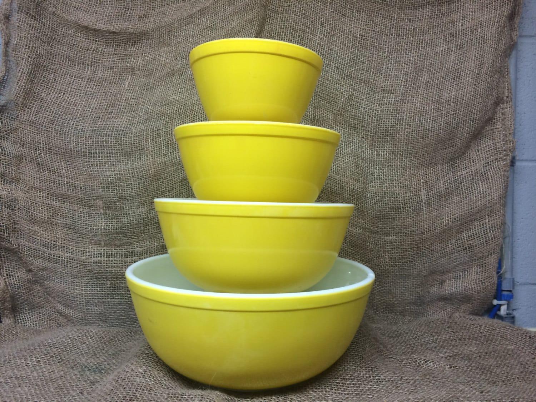 RESERVED Vintage Pyrex Yellow Mixing Bowl Set