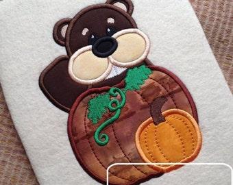 Beaver With Pumpkins Applique Design