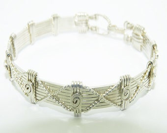 The Silver Crossover Bracelet \ Silver Bangle Bracelet / Bracelet Jewelry / Handwrapped Detailed Wire Jewelry