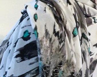 ROMANTIC AND ELEGANT shawl Halle Design