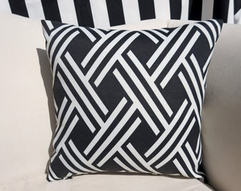 "Black and White Geometic Indoor/Outdoor 16""x16"" Pillow Cover"