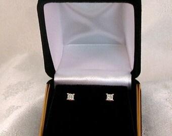 Princess-cut Diamond Earrings in 14k - EB095