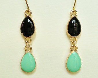 Black and Turquoise Green Teardrop earrings, Double Teardrop Black and Green, Hypoallergenic, Resin Jewelry For Her