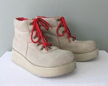 90's Grunge Tan Suede Hiking Boots With Platform Lug Soles and Red Laces 7