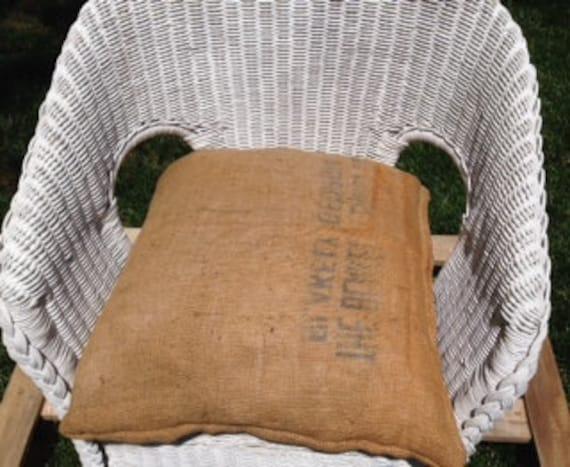 Vintage sedia di vimini bianco, cuscino sedia sacco di grano, shabby ...