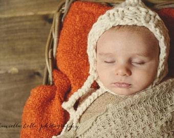 Chunky Knit Newborn Bonnet, Baby Bonnet, Photo Prop Hat, Newborn Photo Prop Hat, Newborn, Winter White - Ready to Ship