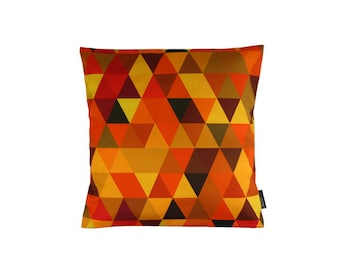 Pillow - spring 22 - geometric pattern