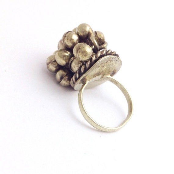vintage silver ring with bells size 5 by loftymixvintage