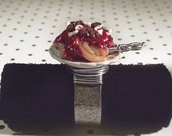 Spaghetti and meatball ring, miniature food jewelry, polymer clay jewelry
