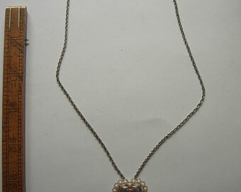 Attractive Early 1970s Gold Necklace
