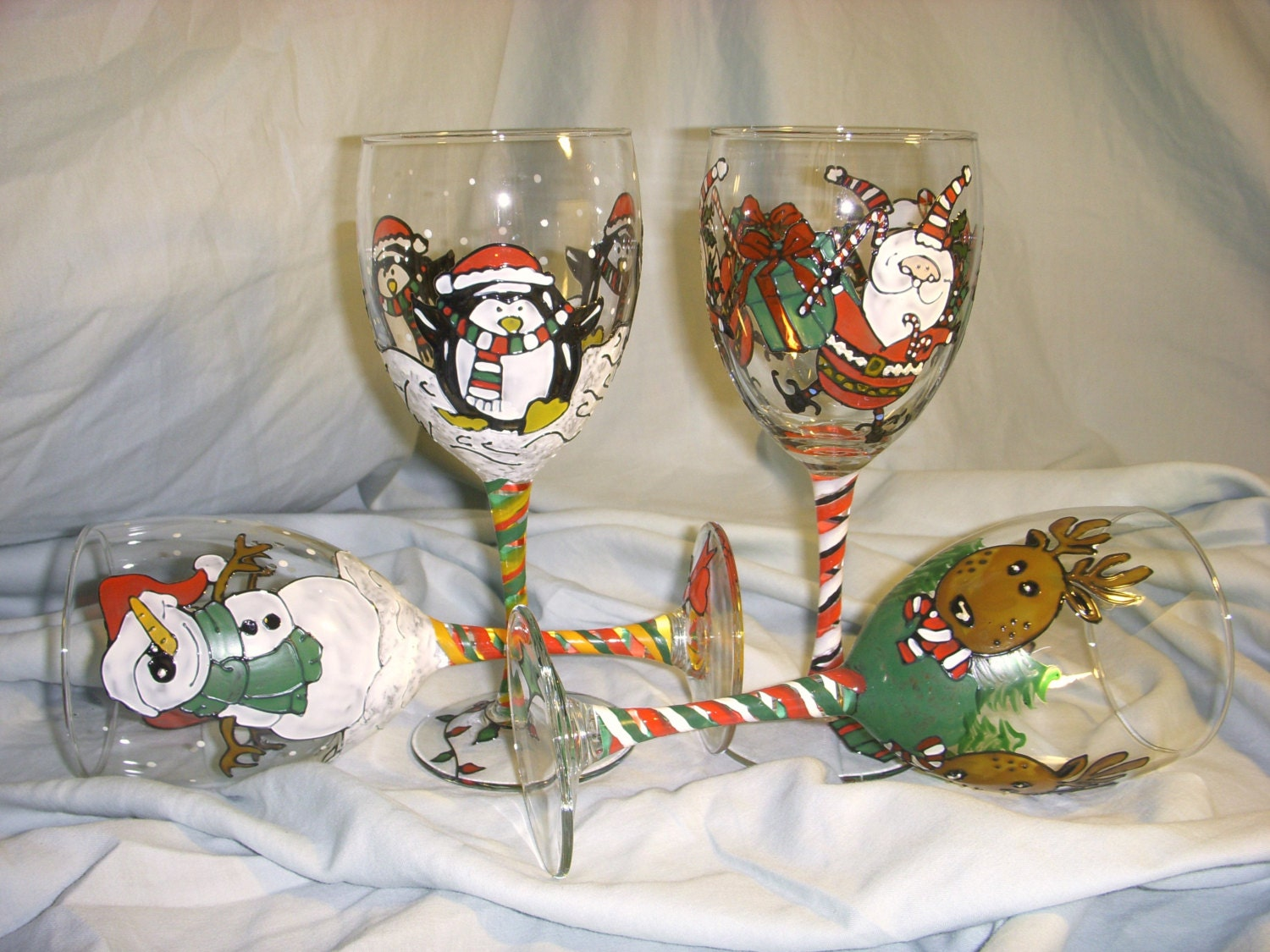 Lighting for Hand painted wine glass christmas designs