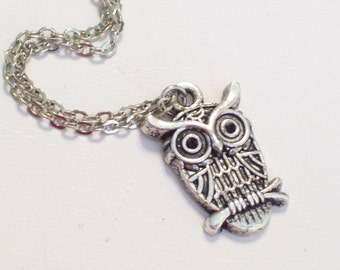 Antiqued Silver Owl Pendant Necklace, Silver Owl, Antiqued Silver Plated Chain