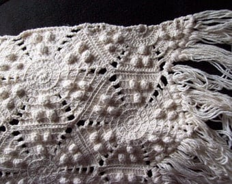 Vintage High Quality Antique HANDMADE FRINGED QUILT Crocheted Heavy cotton Popcorn & Star Spread