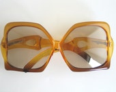Christian Dior vintage sunglasses Miss Dior made in 70's. Butterfly tortoise frame.