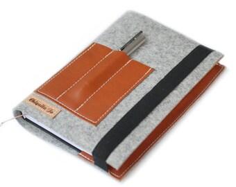 Calendar-book cover · Felt & leather · Grey
