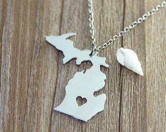 I heart Michigan Necklace - Michigan Map Pendant - State Necklace - State Charm - Map necklace - Map Jewelry
