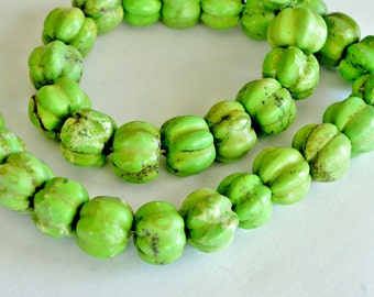 8 Apple Green Howlite Beads, 12x10mm,  Green Stone Beads, 8 Beads, Stone, Gemstone, Fluted Rondelle