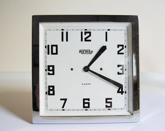 METRON tabletop clock