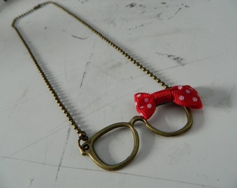 geeky glasses necklace