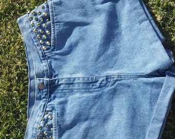 upscaled vintage highwaisted shorts with studded pockets