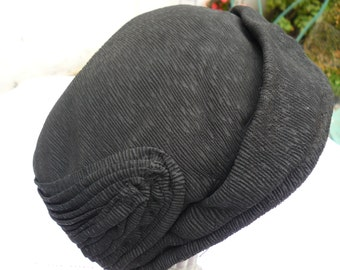 cute hat from the 1930s into crepe
