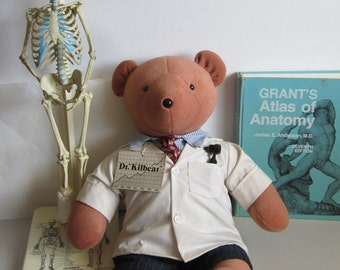 Vintage teddy bear-Dr. Kilbear named for Dr. Kildare of the Television series which ran from 1961-1965. The bear is in excellent condition.