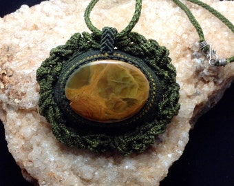 Macrame necklace with Onyx from Argentina.