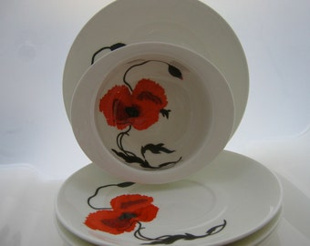 Wedgwood Bone China - Susie Cooper Cornpoppy - Soup Bowls - Saucers
