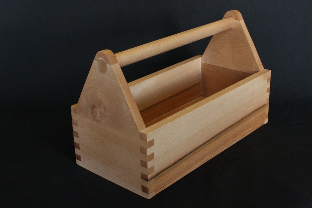 how to make a small wooden box with hand tools
