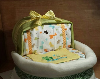 Baby Bassinet Diaper Cake In Neutral Colors