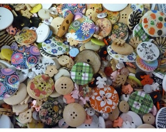 Pack of 75g Random Mixed Assorted Buttons, Mixed colours, sizes and material. SB2136