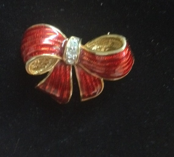 Vintage 1980's Christmas Ornament  Bow Rhinestone Pin  SALE!!!  WAS 16.50  now  12.50  SALE !!!!!