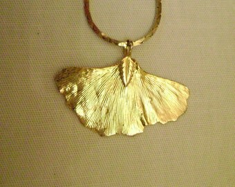 vintage gold ginkgo LEAF PENDANT NECKLACE vintage gold serpentine necklace