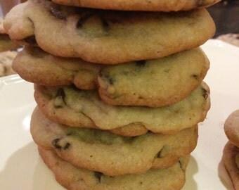 Delicious Chocolate Chip Cookies - 1 dozen
