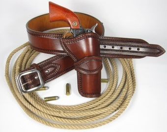 handmade custom leather western holster and belt.