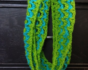 Zigzag crocheted infinity scarf