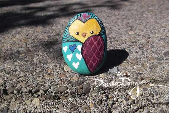 items similar to owl painted rock in tealy green raspberry white and blue on etsy. Black Bedroom Furniture Sets. Home Design Ideas