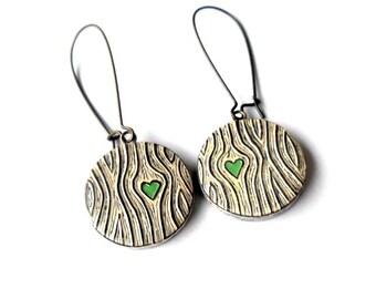 Rustic Woodgrain Dangle Earrings, Green Heart Earrings, Faux Bois Jewelry, Anniversary Gift for Wife, Girlfriend Gift