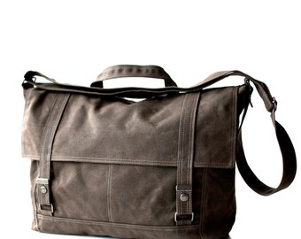 Messenger no.3 - in brown waxed canvas