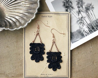 long lace earrings // KAETHE // black statement earrings, art deco earrings, black lace earrings,dangle earrings