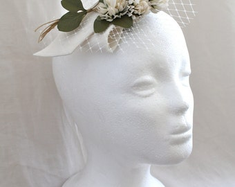 Clover flower fascinator