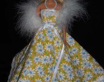 3 Piece Necklace Barbie Doll Dress Handmade Yellow with Daisy's and Lace Strapless Gown with Boa and Necklace
