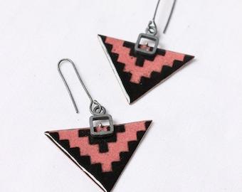 Arrowhead earrings, Enameled earrings, Triangles, Pink Black enameld copper, Sterling silver