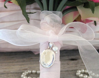Brides Bouquet Locket, Sterling Silver locket, Elegant Bride, Bouquet Photo Charm, In memory of, Etsy Wedding, Wedding Keepsake, KBK002