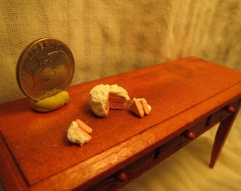 Dollhouse Miniature Half Inch Scale Pink Cake with white Icing